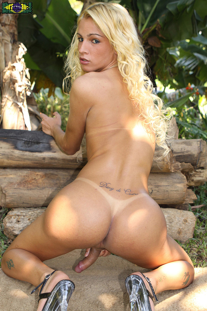 blonde brazilian shemale
